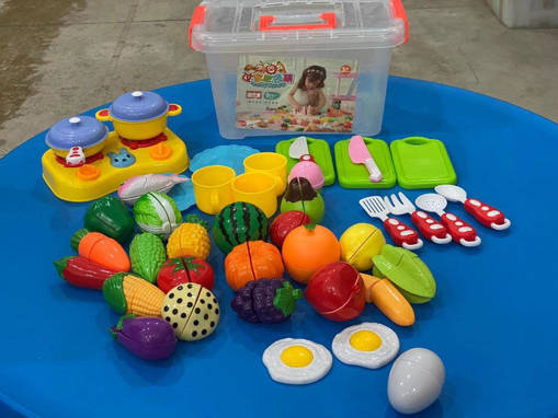 Picture of Cutting Fruits Playset